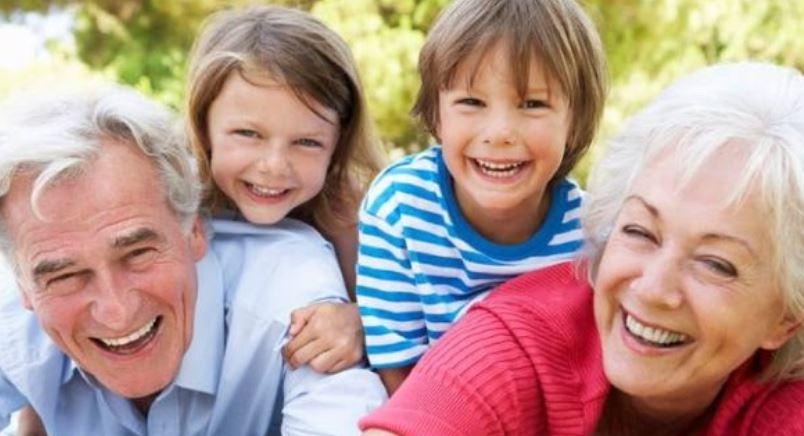 Estudo Comprova Que Avós Que Cuidam Dos Netos Tem Vida Prolongada