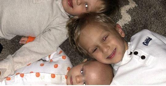 Pais Contam Como Foi Descobrir Que Os Três Filhos Têm Câncer Nos Olhos