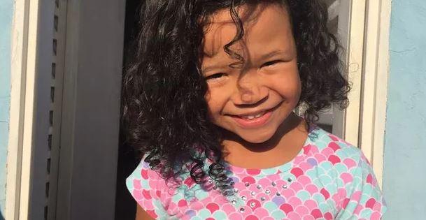 """Criança De 4 Anos Sai Da Escola E Vai Pra Casa Sozinha """"Ela Atravessou Quatro Ruas Bem Movimentadas"""", Contou A Mãe"""