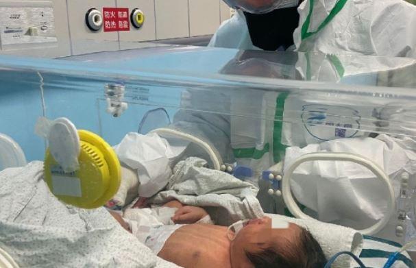 Bebê Recém-nascido, Uma Das Mais Jovens Vítimas De Coronavírus Do Mundo