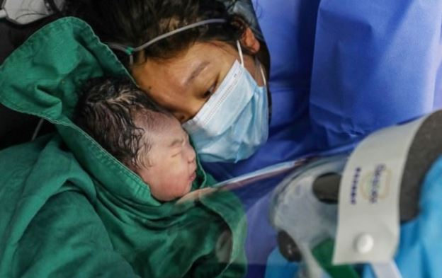 Coronais: Bebês Nascidos Em Quarentena E Como São Os Primeiros Dias De Vida Em Confinamento