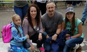 """""""Minha filha derrotou o câncer de mama quando tinha apenas oito anos"""""""